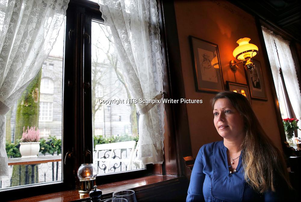 Oslo  20150213.<br /> Stine Langtangen  har skrevet romanserien &quot;Eikeg&Acirc;rden&quot; fra Kongsbergomr&Acirc;det, <br /> Foto: Terje Pedersen / NTB scanpix<br /> <br /> NTB Scanpix/Writer Pictures<br /> <br /> WORLD RIGHTS, DIRECT SALES ONLY, NO AGENCY