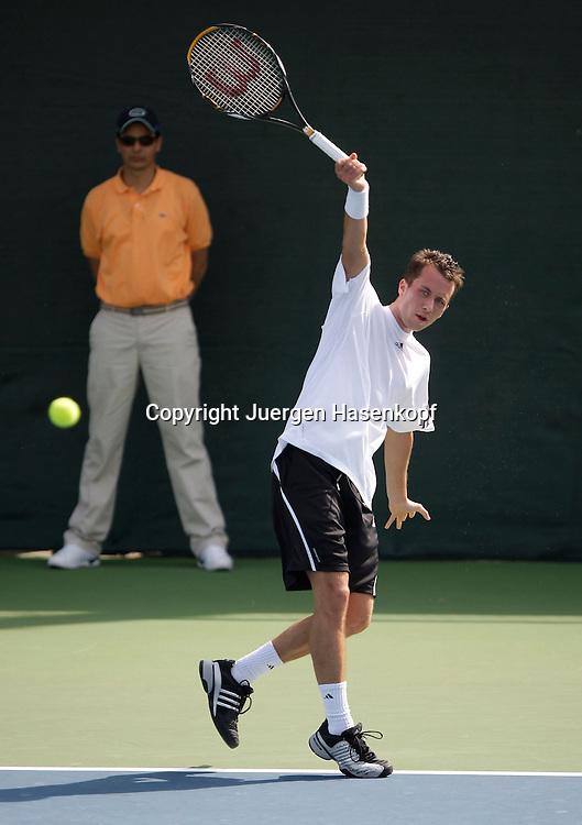 Barclays Dubai Tennis Championships, ATP Tennis..Turnier, United Arab Emirates,V.A.E. Philipp Kohlschreiber (GER)..Foto: Juergen Hasenkopf..B a n k v e r b.  S S P K  M u e n ch e n, ..BLZ. 70150000, Kto. 10-210359,..+++ Veroeffentlichung nur gegen Honorar nach MFM,..Namensnennung und Belegexemplar. Inhaltsveraendernde Manipulation des Fotos nur nach ausdruecklicher Genehmigung durch den Fotografen...Persoenlichkeitsrechte oder Model Release Vertraege der abgebildeten Personen sind nicht vorhanden.
