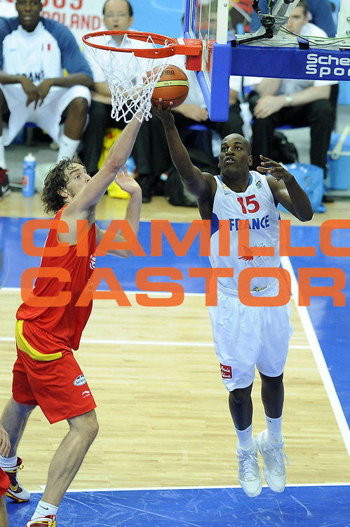 DESCRIZIONE : Katowice Poland Polonia Eurobasket Men 2009 Quarter Final Francia France Spagna Spain<br /> GIOCATORE : Ali Traore<br /> SQUADRA : Francia France<br /> EVENTO : Eurobasket Men 2009<br /> GARA : Francia France Spagna Spain<br /> DATA : 17/09/2009 <br /> CATEGORIA :<br /> SPORT : Pallacanestro <br /> AUTORE : Agenzia Ciamillo-Castoria/G.Ciamillo<br /> Galleria : Eurobasket Men 2009 <br /> Fotonotizia : Katowice  Poland Polonia Eurobasket Men 2009 Quarter Final Francia France Spagna Spain<br /> Predefinita :