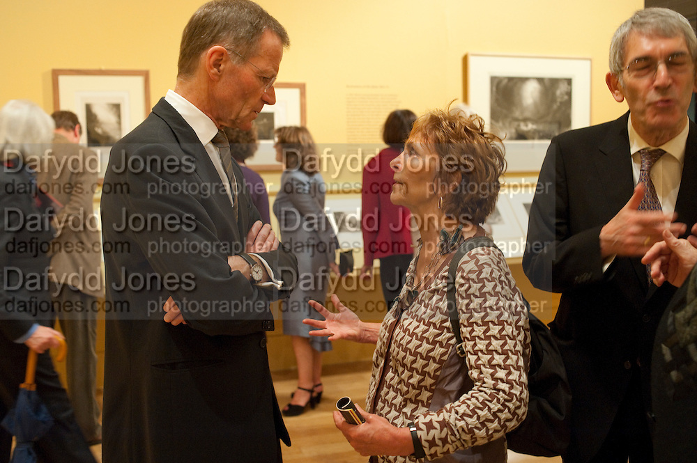SIR NICHOLAS SEROTA; PAULA REGO, John Martin: Apocalypse. Tate Britain. Millbank. London. 19 September 2011.<br /> <br />  , -DO NOT ARCHIVE-© Copyright Photograph by Dafydd Jones. 248 Clapham Rd. London SW9 0PZ. Tel 0207 820 0771. www.dafjones.com.