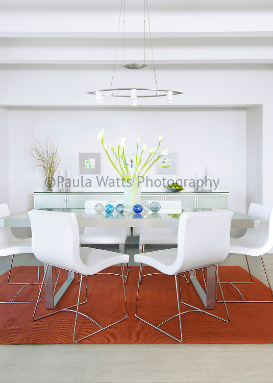 Modern dining room with white motif