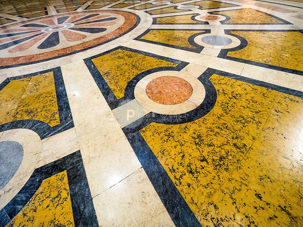 Suelo del vestíbulo del Panteón Nacional, Lisboa ©Country Sessions / PILAR REVILLA