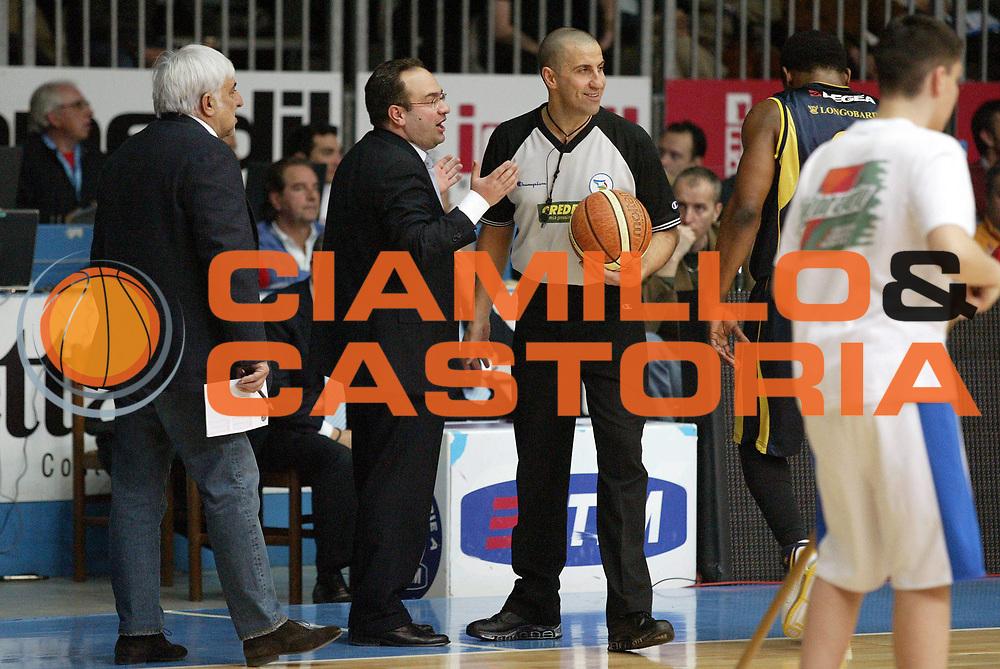DESCRIZIONE : Cantu Lega A1 2006-07 Tisettanta Cantu Legea Scafati<br /> GIOCATORE : Sacripanti Arbitro<br /> SQUADRA : Tisettanta Cantu<br /> EVENTO : Campionato Lega A1 2006-2007 <br /> GARA : Tisettanta Cantu Legea Scafati<br /> DATA : 11/03/2007 <br /> CATEGORIA : Delusione<br /> SPORT : Pallacanestro <br /> AUTORE : Agenzia Ciamillo-Castoria/G.Cottini