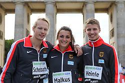 """05.09.2015, Brandenburger Tor, Berlin, GER, Leichtathletik Meeting, Berlin fliegt, im Bild Tobias Scherbarth (TSV Bayer 04 Leverkusen), Lena Markus (SC Preußen Muenster) und Fabian Heinle (LAV Stadtwerke Tübingen) (v.l.) // during the Athletics Meeting """"Berlin flies"""" at the Brandenburger Tor in Berlin, Germany on 2015/09/05. EXPA Pictures © 2015, PhotoCredit: EXPA/ Eibner-Pressefoto/ Eibner-Pressefoto<br /> <br /> *****ATTENTION - OUT of GER*****"""
