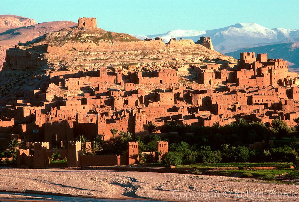 MOROCCO, HIGH ATLAS MOUNTAINS the Kasbah of Ait-Ben-Haddou, on the Ounila River near Ouarzazate south of Marrakech