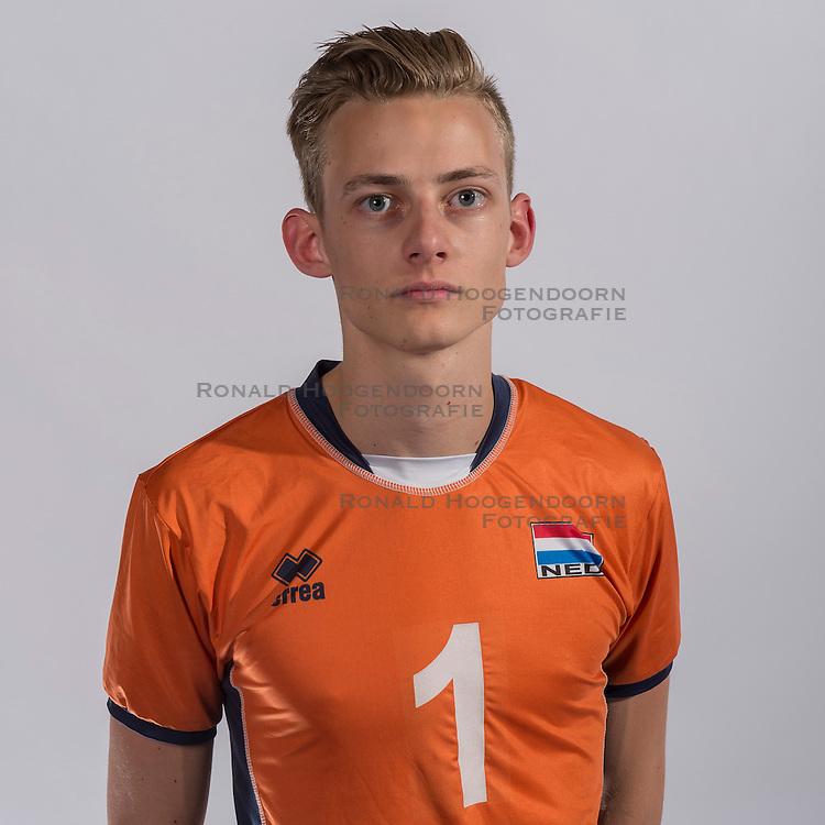 07-06-2016 NED: Jeugd Oranje jongens &lt;1999, Arnhem<br /> Photoshoot met de jongens uit jeugd Oranje die na 1 januari 1999 geboren zijn /Job Faber SV