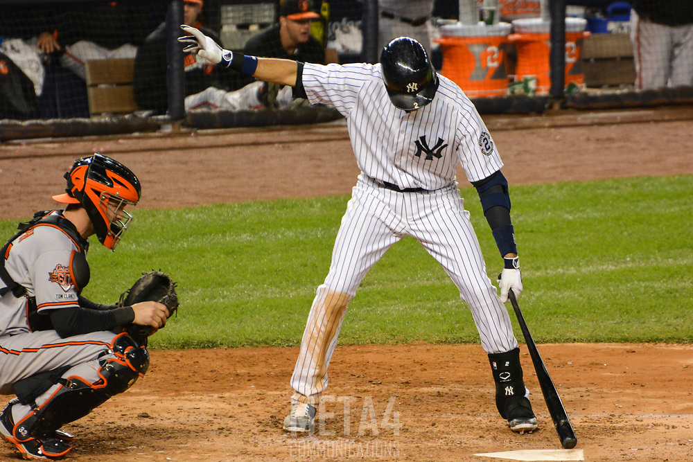 Derek Jeter balances his stance as part of his batting ritual.