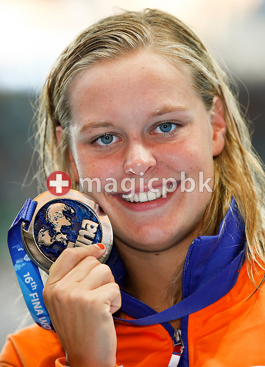 Sharon Rouwendaal of Netherlands poses with his Silver medal after finishing second in the women's 400m Freestyle Final during the 16th FINA World Swimming Championships held at the Kazan arena in Kazan, Russia, Sunday, Aug. 2, 2015. (Photo by Patrick B. Kraemer / MAGICPBK)