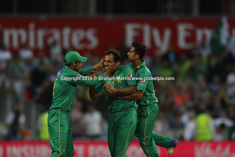 Wahab Riaz celebrates with Pakistan team.<br /> England v Pakistan, only T20 at Manchester, England. 7 September 2016.<br /> Pakistan won by 9 wickets (with 31 balls remaining).<br /> Copyright photo: Graham Morris / www.photosport.nz