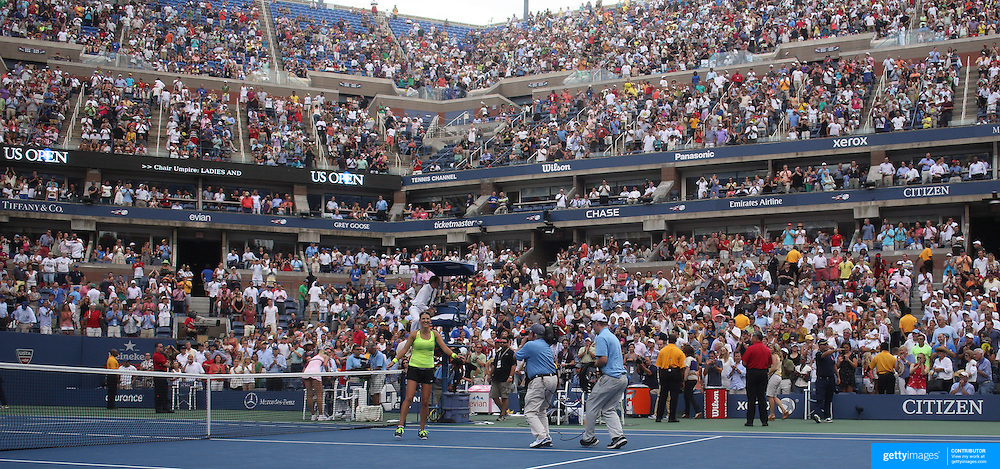 Victoria Azarenka, Belarus, in action against Maria Sharapova, Russia, during the US Open Tennis Tournament, Flushing, New York. USA. 6th September 2012. Photo Tim Clayton