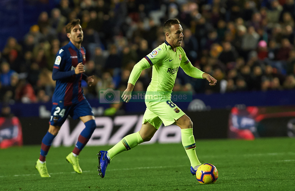 صور مباراة : ليفانتي - برشلونة 0-5 ( 16-12-2018 )  20181216-zaa-a181-025
