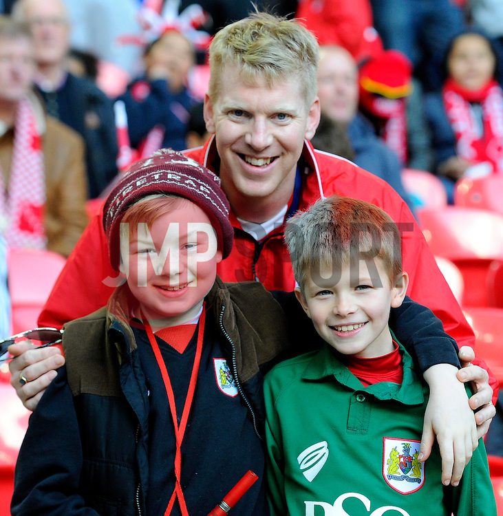 fans - Photo mandatory by-line: Joe Meredith/JMP - Mobile: 07966 386802 - 22/03/2015 - SPORT - Football - London - Wembley Stadium - Bristol City v Walsall - Johnstone Paint Trophy Final