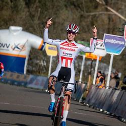 17-11-2019: Wielrennen: Veldrijden DVV cross: Hamme <br />Niels Vandeputte wins in Hamme ahead of Ryan Kamp and Timo Kielich