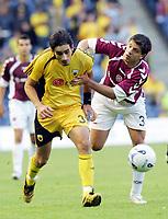 Fotball<br /> Foto: imago/Digitalsport<br /> NORWAY ONLY<br /> <br /> 09.08.2006  <br /> <br /> Nikos Lyberopoulos (AEK Athen, li.) gegen Panagiotis Fyssas (Hearts of Midlothian)<br /> <br /> Champions League Qualifikation 2006/2007, Hearts of Midlothian - AEK Athen 1:2