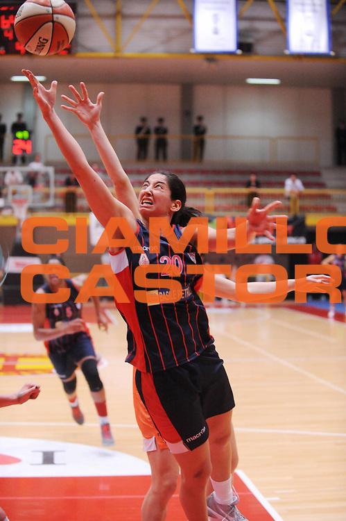 DESCRIZIONE : Schio Lega A1 Femminile 2011-12 Playoff Finale Gara1 Famila Wuber Schio Cras Taranto <br /> GIOCATORE : Michelle Greco tiro vincente<br /> CATEGORIA : curiosita tiro esultanza<br /> SQUADRA : Cras Taranto <br /> EVENTO : Campionato Lega A1 Femminile 2011-2012 <br /> GARA : Famila Wuber Schio Cras Taranto<br /> DATA : 02/05/2012 <br /> SPORT : Pallacanestro <br /> AUTORE : Agenzia Ciamillo-Castoria/M.Marchi<br /> Galleria : Lega Basket Femminile 2011-2012 <br /> Fotonotizia : Schio Lega A1 Femminile 2011-12 Playoff Finale Gara1 Famila Wuber Schio Cras Taranto <br /> Predefinita :