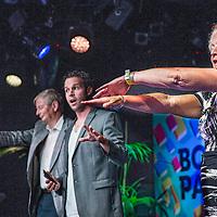 Nederland, Amsterdam, 4 september 2016.<br /> Manuscripta viert de opening van het boekenseizoen elk jaar in het eerste weekend van september. Een mooi literair festival.<br /> Geloof jij alles wat je ziet? In het boekMINDF*CK: 51 illusies en experimenten geven Victor Mids en Oscar Verpoort voor het allereerst de geheimen prijs achter hun beste en meest spectaculaire illusies uit het populaire tv-programma MINDF*CK.<br /> <br /> <br /> <br /> Foto: Jean-Pierre Jans