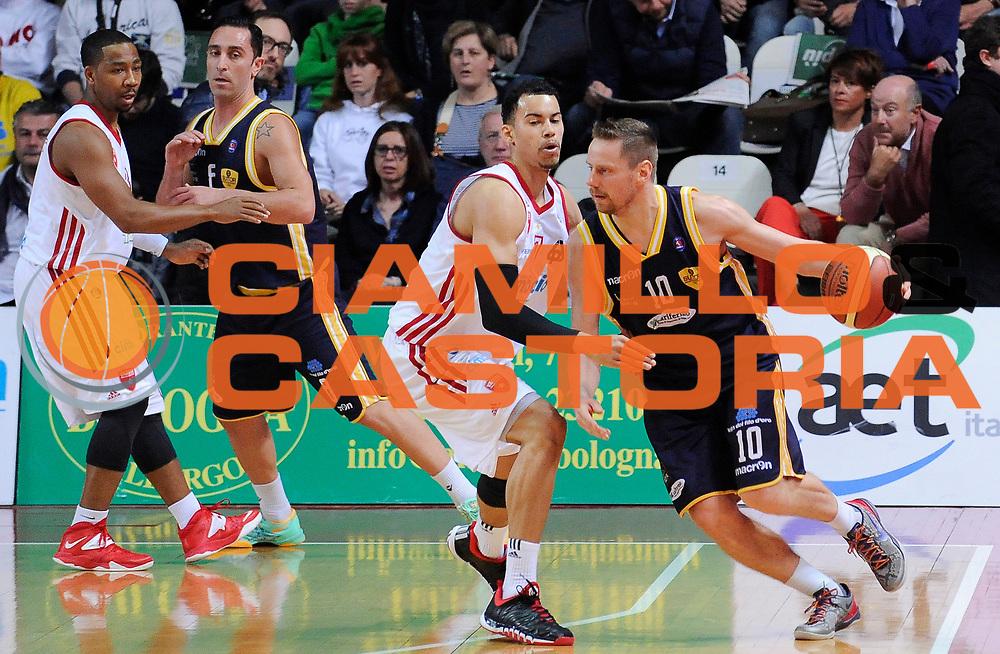 DESCRIZIONE : Varese Campionato Lega A 2013-14 Cimberio Varese Sutor Montegranaro<br /> GIOCATORE : Dimitri Lauwers<br /> CATEGORIA : Palleggio Controcampo<br /> SQUADRA : Sutor Montegranaro<br /> EVENTO : Campionato Lega A 2013-14<br /> GARA : Cimberio Varese Sutor Montegranaro<br /> DATA : 09/03/2014<br /> SPORT : Pallacanestro <br /> AUTORE : Agenzia Ciamillo-Castoria/A.Giberti<br /> Galleria : Campionato Lega A 2013-14  <br /> Fotonotizia : Varese Campionato Lega A 2013-14 Cimberio Varese Sutor Montegranaro<br /> Predefinita :