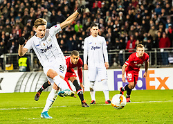 27.02.2020, Linzer Stadion, Linz, AUT, UEFA EL, LASK vs AZ Alkmaar, Sechzehntelfinale, im Bild Torschütze zum 1 zu 0 Marko Raguz (LASK) // Torschütze zum 1 zu 0 Marko Raguz (LASK) during the UEFA Europa League round of the last 32, 2nd leg match between LASK and AZ Alkmaar at the Linzer Stadion in Linz, Austria on 2020/02/27. EXPA Pictures © 2020, PhotoCredit: EXPA/ Reinhard Eisenbauer