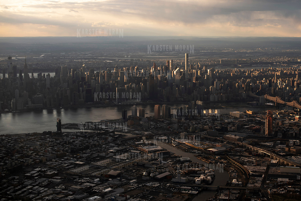 April 8, 2018 - New York, NY : Midtown Manhattan, Long Island City Queens, the 59th St. Bridge, and the East River are visible from the air.  CREDIT: Karsten Moran / REDUX