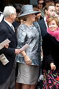 Zijne Hoogheid Prins Floris van Oranje Nassau, van Vollenhoven en mevrouw mr. A.L.A.M. Söhngen zijn zaterdag 22 oktober in de kerk van Naarden in het  huwelijk getreden. De prins is de jongste zoon van Prinses Magriet en Pieter van Vollenhoven.<br /> <br /> Church Wedding Prince Floris and Aimée Söhngen. <br /> <br /> Church Wedding Prince Floris and Aimée Söhngen in Naarden. The Prince is the youngest son of Princess Margriet, Queen Beatrix's sister, and Pieter van Vollenhoven. <br /> <br /> Op de foto / On the photo;<br /> <br /> Koningin Beatrix / Queen Beatrix