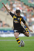 Twickenham, GREAT BRITAIN, Wasps, Danny CIPRIANI,  kicking a first half penalty during the London Double Header, London Wasps vs Saracens match at Twickenham Stadium. England, Sat 15.09.2007  [Mandatory Credit, Peter Spurrier/Intersport-images].....
