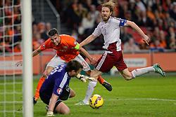 16-11-2014 NED: EK Kwalificatie Nederland - Letland, Amsterdam<br /> Nederland wint in de Arena met 6-0 van Letland / Robin van Persie