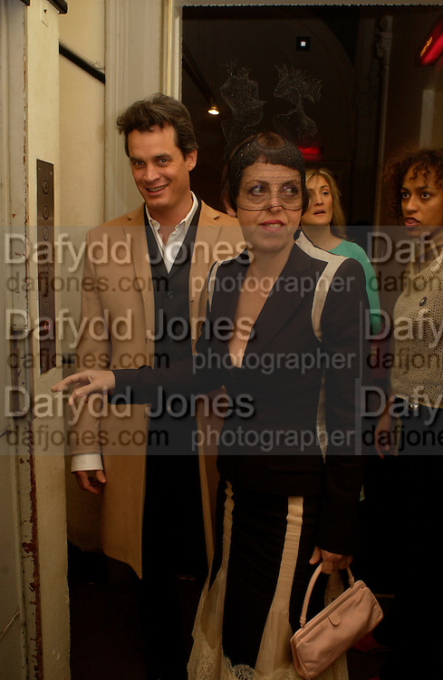 Matthew Mellon and Isabella Blow, Beck's Futures 2004 opening. I.C.A. 25 March 2004. ONE TIME USE ONLY - DO NOT ARCHIVE  © Copyright Photograph by Dafydd Jones 66 Stockwell Park Rd. London SW9 0DA Tel 020 7733 0108 www.dafjones.com