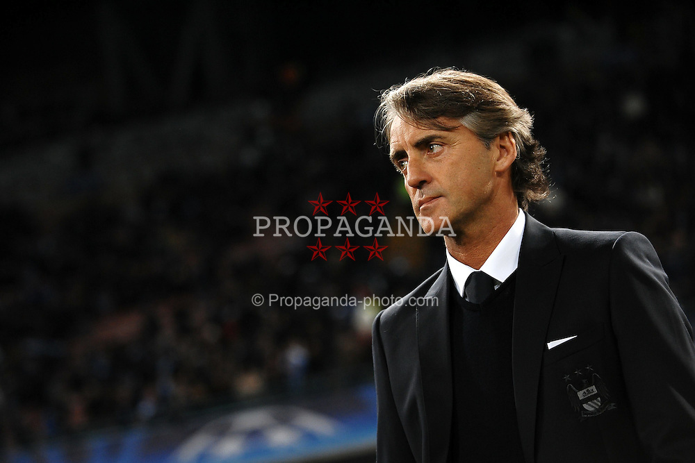 22.11.2011, Stadio San Paolo, Rom, ITA, UEFA CL, Gruppe A, SSC Neapel (ITA) vs Manchester City (ENG), im Bild Roberto MANCINI allenatore del Manchester, // during the football match of UEFA Champions league, group A, between SSC Neapel (ITA) vs Manchester City (ENG) at San Paolo Stadium, rome, Italy on 22/11/2011. EXPA Pictures © 2011, PhotoCredit: EXPA/ Insidefoto/ Andrea Staccioli..***** ATTENTION - for AUT, SLO, CRO, SRB, SUI and SWE only *****