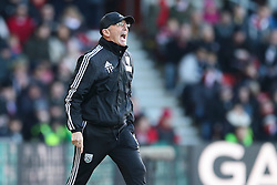 West Bromwich Albion Manager Tony Pulis shouts from the side line - Mandatory by-line: Jason Brown/JMP - 07966386802 - 16/01/2016 - FOOTBALL - Southampton, St Mary's Stadium - Southampton v West Bromwich Albion - Barclays Premier League