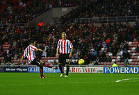 Photo: Andrew Unwin.<br />Sunderland v Southampton. Coca Cola Championship. 11/11/2006.<br />Sunderland's Ross Wallace (L) scores his team's first goal.