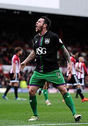 Lee Tomlin of Bristol City celebrates his goal - Mandatory by-line: Dougie Allward/JMP - 16/04/2016 - FOOTBALL - Griffin Park - Brentford, England - Brentford v Bristol City - Sky Bet Championship