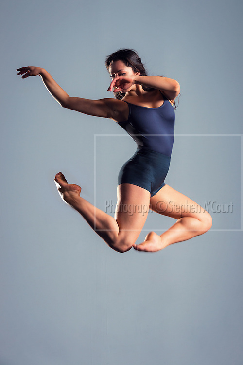 Dancer Amanda Mitrevski.  Photo credit: Stephen A'Court.  COPYRIGHT ©Stephen A'Court