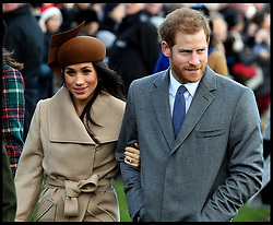 December 25, 2017 - Sandringham, United Kingdom - PRINCE HARRY and MEGHAN MARKLE join HM Queen Elizabeth II at  St. Mary Magdalene Church on her Sandringham estate in Norfolk, for the Christmas Day service. (Credit Image: © Andrew Parsons/i-Images via ZUMA Press)