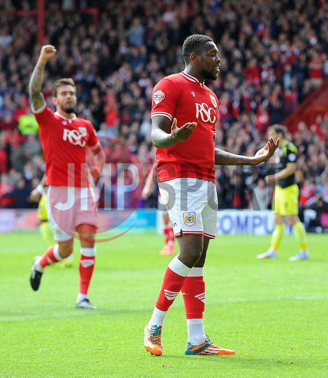 Bristol City's Marlon Pack celebrates his goal with Bristol City's Jay Emmanuel-Thomas  - Photo mandatory by-line: Joe Meredith/JMP - Mobile: 07966 386802 - 03/05/2015 - SPORT - Football - Bristol - Ashton Gate - Bristol City v Walsall - Sky Bet League One