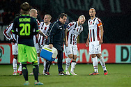 Onderwerp/Subject: Willem II - Eredivisie<br /> Reklame:  <br /> Club/Team/Country: <br /> Seizoen/Season: 2012/2013<br /> FOTO/PHOTO: Hans MULDER (R) of Willem II is being substituted after injury and Condition Trainer Henri VAN AMELSFORT (L) of Willem II. (Photo by PICS UNITED)<br /> <br /> Trefwoorden/Keywords: <br /> #03 #06 $94 ±1342782825903<br /> Photo- & Copyrights © PICS UNITED <br /> P.O. Box 7164 - 5605 BE  EINDHOVEN (THE NETHERLANDS) <br /> Phone +31 (0)40 296 28 00 <br /> Fax +31 (0) 40 248 47 43 <br /> http://www.pics-united.com <br /> e-mail : sales@pics-united.com (If you would like to raise any issues regarding any aspects of products / service of PICS UNITED) or <br /> e-mail : sales@pics-united.com   <br /> <br /> ATTENTIE: <br /> Publicatie ook bij aanbieding door derden is slechts toegestaan na verkregen toestemming van Pics United. <br /> VOLLEDIGE NAAMSVERMELDING IS VERPLICHT! (© PICS UNITED/Naam Fotograaf, zie veld 4 van de bestandsinfo 'credits') <br /> ATTENTION:  <br /> © Pics United. Reproduction/publication of this photo by any parties is only permitted after authorisation is sought and obtained from  PICS UNITED- THE NETHERLANDS