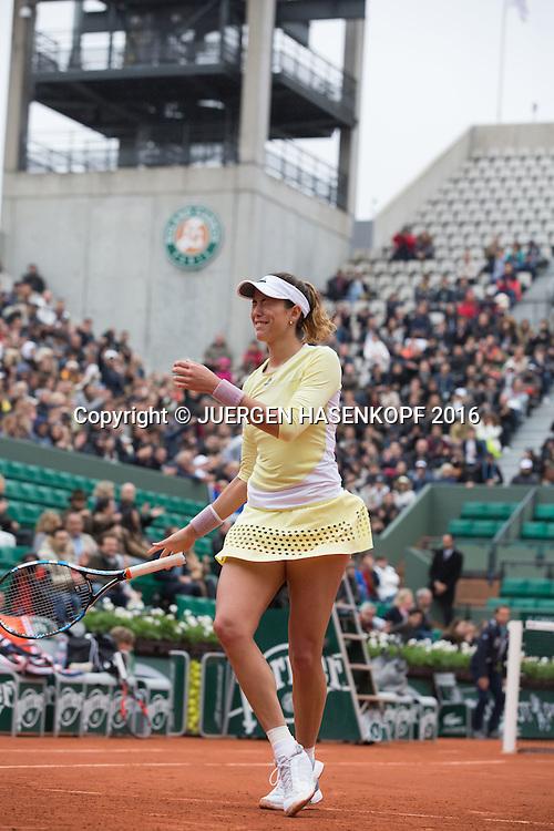 Garbine Muguruza (ESP) jubelt nach ihrem Sieg,Jubel,Emotion,Freude,<br /> <br /> Tennis - French Open 2016 - Grand Slam ITF / ATP / WTA -  Roland Garros - Paris -  - France  - 3 June 2016.
