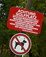 DILLENBURG (Duitsland) - Honden verboden, Dogs not allowed Golf Club Dillenburg in Westerwald. COPYRIGHT KOEN SUYK