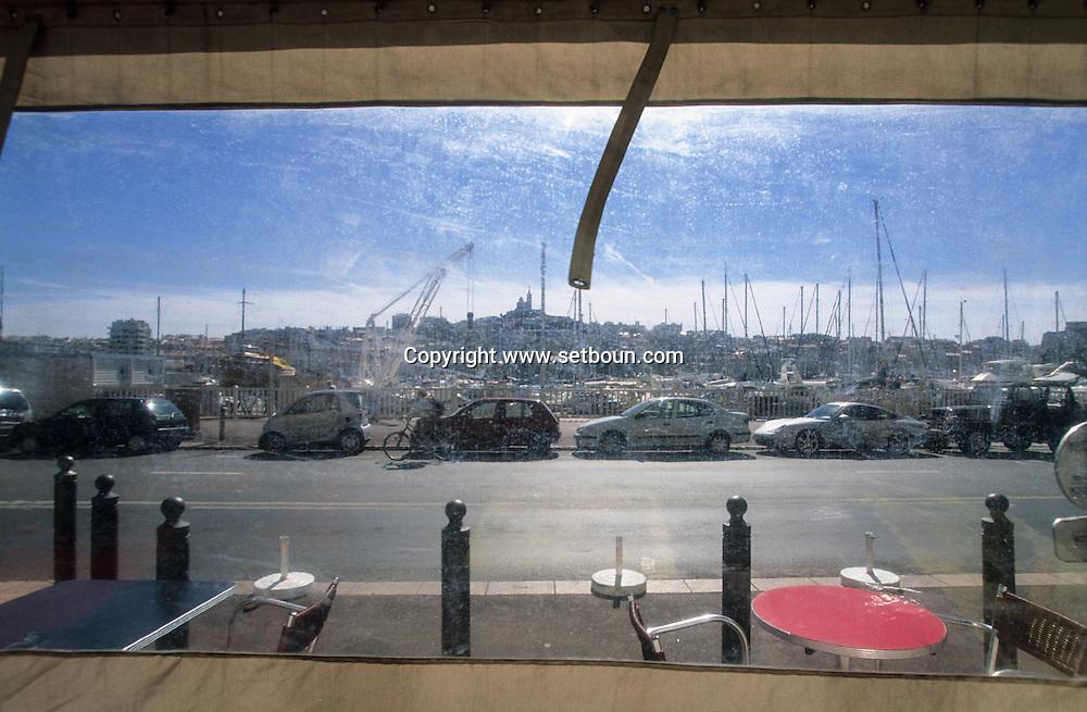 France. Marseille. the old port/ Notre dame de la garde church and hill  Marseille  France  / VIEUX PORT ET BASILIQUE NOTRE DAME DE LA GARDE  Marseille  France  /     L0008205  /  R20711  /  P115632