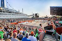ROTTERDAM - Poulewedstrijd Brouwer/Meeuwsen - Huver/Seidl , Beachvolleybal , WK Beach Volleybal 2015 , 27-06-2015 , Overzicht van het Stadion naast de SS Rotterdam