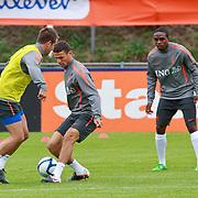 NLD/Katwijk/20110808 - Training Nederlands Elftal voor duel Engeland - Nederland, rondo, khalid Boulahrouz in duel met Luuk de Jong