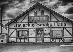 The Bavarian Smoke Haus opened in 1996 as an extension of  Dan's County Meats, our USDA inspected facility. Dan's  has been providing quality fresh and specialty meats in the New Melle area for generations.<br />