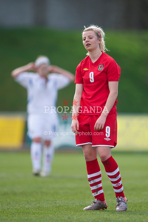 LLANELLI, WALES - Saturday, April 2, 2011: Wales' Hannah Keryakopolis in action against Iceland during the UEFA European Women's Under-19 Championship Second Qualifying Round (Group 3) match at Stebonheath Park. (Photo by David Rawcliffe/Propaganda)