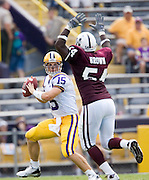 Baton Rouge, LA - SEPTEMBER 30:  Matt Flynn #15 of the LSU Tigers scrambles to avoid the rush against the Mississippi State Bulldogs at Tiger Stadium on September 30, 2006 in Baton Rouge, Louisiana.  The Tigers defeated the Bulldogs 48 - 17.  (Photo by Wesley Hitt/Getty Images) *** Local Caption *** Matt Flynn