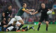 Twickenham. Great Britain, Spring Boks captain, Fourie DU PREEZ, passing clear,  during, Semi Final South Africa vs New Zealand  2015 Rugby World Cup,  Venue, Twickenham Stadium, Surrey England.   Saturday  24/10/2015.   [Mandatory Credit; Peter Spurrier/Intersport-images]