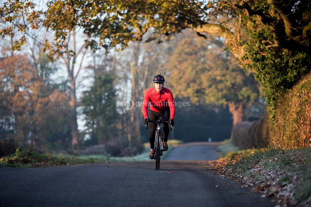 A beautiful, frosty ride through Surrey in Autumn © Lee Irvine, PelicanImages 2017