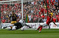 Photo: Steve Bond/Richard Lane Photography. <br />Nottingham Forest v Yeovil Town. Coca-Cola Football League One. 03/05/2008. Keeper Steve Mildenhall dives as Nathan Tyson (R) shoots fropm a narrow angle