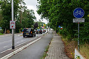 In 't Harde mogen rijders van een speed pedelec op het fietspad rijden, brommers moeten op de gewone rijbaan.<br /> <br /> In 't Harde speed pedelec riders are allowed to ride on the bike lane.