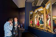 Nederland, Den Bosch, 20181129<br /> Uit de stal van Bosch. Jheronimus Bosch en de Aanbidding der Koningen. <br /> dr. M. Ilsink geeft uitleg bij de tentoonstelling<br /> Het Noordbrabants Museum in &rsquo;s-Hertogenbosch presenteert 1december 2018 t/m 10 maart 2019 de tentoonstelling &lsquo;Jheronimus Bosch en de Aanbidding der Koningen&rsquo;. Jheronimus Bosch geldt wereldwijd als de meest intrigerende laatmiddeleeuwse kunstenaar van de Nederlanden. <br /> Het schilderij de Aanbidding der Koningen (1475) uit The Metropolitan Museum of Art in New York is te zien op de tentoonstelling. Afgebeeld zijn de drie koningen die hulde brengen aan het Christuskind op de schoot van Maria. Daarnaast zijn diverse kopie&euml;n te zien uitgevoerd door tijdgenoten.<br /> Het onderzoek gedaan door het Bosch Research and Conservation Project olv. prof. dr. A.M. Koldeweij en dr. M. Ilsink staat aan de basis van deze tentoonstelling.<br /> <br /> <br /> The Netherlands, Den Bosch, 20181129<br /> From Bosch's stable. Jheronimus Bosch and the Adoration of the Kings.<br /> The Noordbrabants Museum in 's-Hertogenbosch will present the exhibition' Jheronimus Bosch and the Adoration of the Kings' from 1 December 2018 to 10 March 2019. Jheronimus Bosch is regarded worldwide as the most intriguing late medieval artist of the Netherlands.<br /> The painting The Adoration of the Kings (1475) from The Metropolitan Museum of Art in New York can be seen at the exhibition. Pictured are the three kings who pay tribute to the Christ Child on the womb of Mary. In addition, several copies can be seen performed by contemporaries.<br /> The research done by the Bosch Research and Conservation Project. Prof. A.M. Koldeweij and Dr M. Ilsink is the basis of this exhibition.