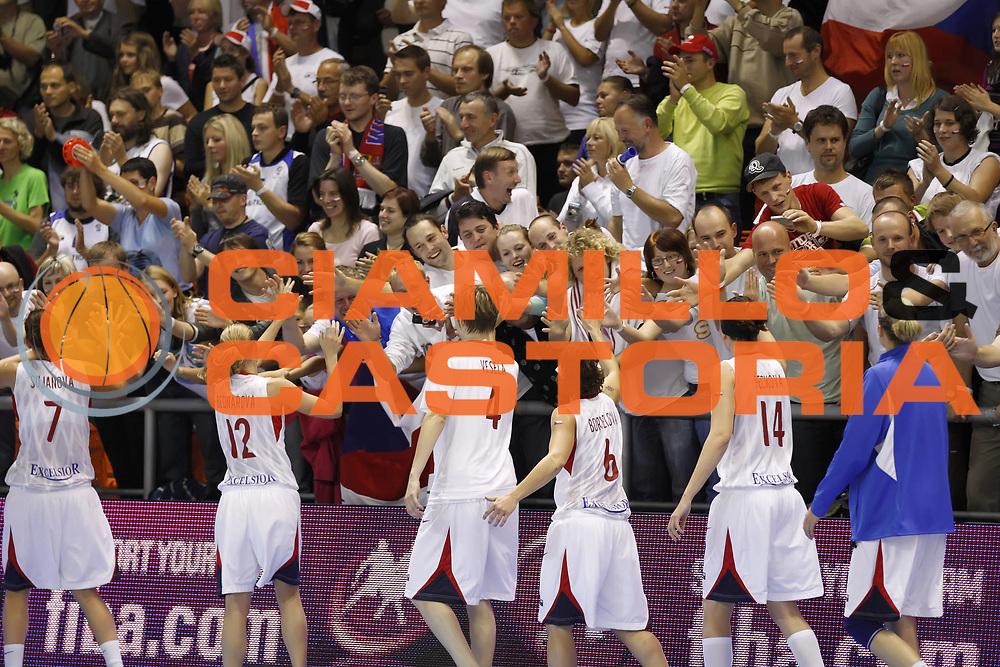 DESCRIZIONE : Brno Repubblica Ceca Czech Republic Women World Championship 2010 Campionato Mondiale Eight-Final Round Czech Republic Korea<br /> GIOCATORE : Team Fans Supporter<br /> SQUADRA : Czech Republic Repubblica Ceca<br /> EVENTO : Brno Repubblica Ceca Czech Republic Women World Championship 2010 Campionato Mondiale 2010<br /> GARA : Czech Republic Korea Repubblica Ceca Corea<br /> DATA : 27/09/2010<br /> CATEGORIA :<br /> SPORT : Pallacanestro <br /> AUTORE : Agenzia Ciamillo-Castoria/ElioCastoria<br /> Galleria : Czech Republic Women World Championship 2010<br /> Fotonotizia : Brno Repubblica Ceca Czech Republic Women World Championship 2010 Campionato Mondiale Eight-Final Round Czech Republic Korea<br /> Predefinita :