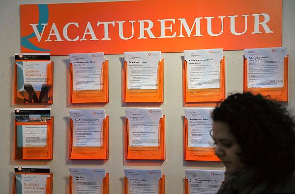 Nederland, Amsterdam, 11-3-2011Carrierebeurs in de RAI.Beurs voor studenten, starters op de arbeidsmarkt met een technische, economische, bedrijfskundige,  juridische of informatica opleiding. Grootste carrierebeurs van Nederland voor wie bijna afgestudeerd of werkzoekend is.Foto: Flip Franssen/Hollandse Hoogte